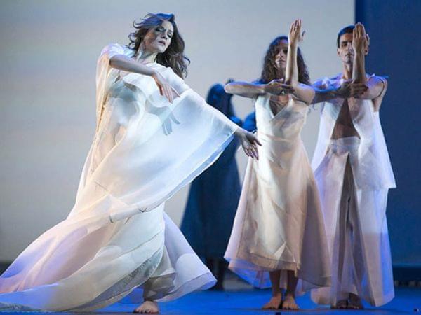 Lyric Opera of Chicago performs Orphée et Eurydice.