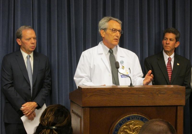 (From left) Illinois Senate President John Cullerton, Paul Pederson, MD, and Scott Saxe speak against Gov. Bruce Rauner's veto of statewide Tobacco 21 legislation.