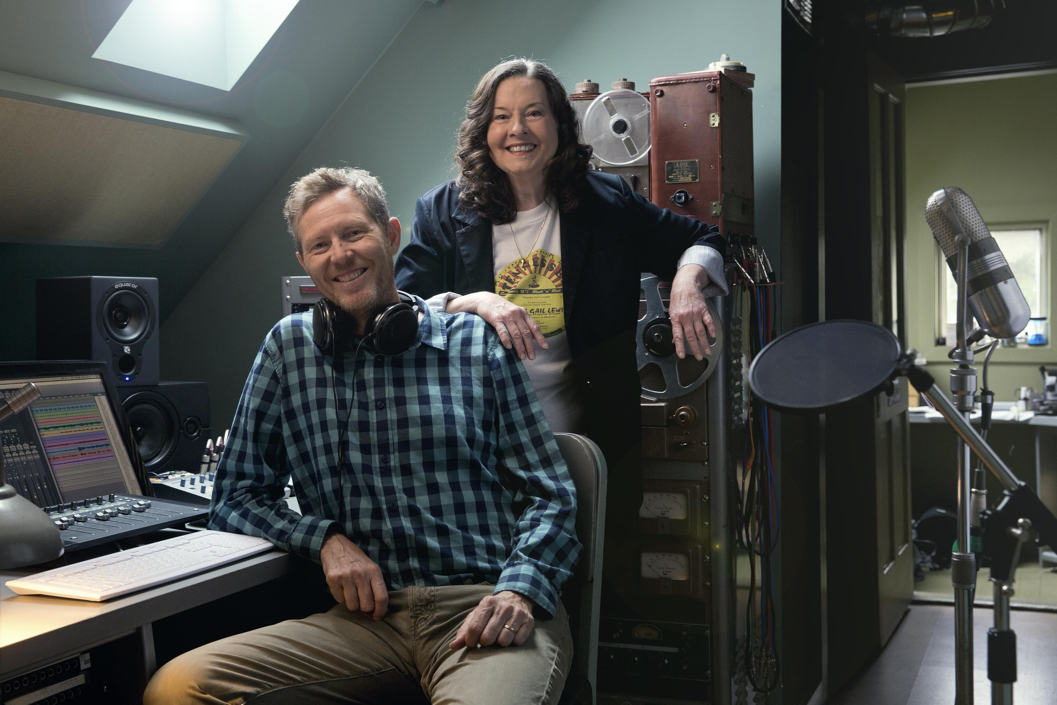 "Robbie Fulks and Linda Gail Lewis in studio during the recording of ""Wild, Wild, Wild."""