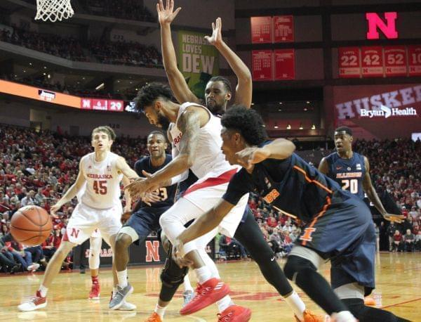 Illinois can't handle Nebraska's smothering defense in 75-60 loss