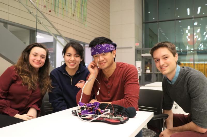 university of illinois students