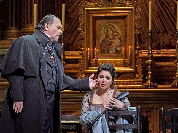 The Met performs Tosca.