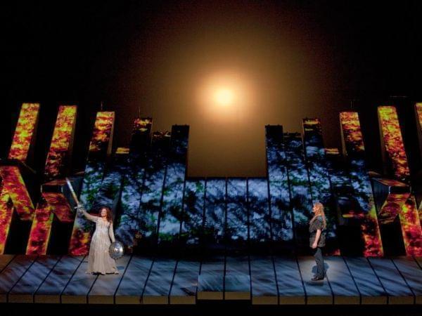 The Met performs Die Götterdämmerung.
