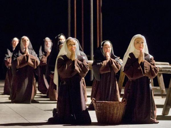 The Met performs Dialogues des Carmélites.