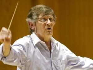 Joseph Flummerfelt conducting