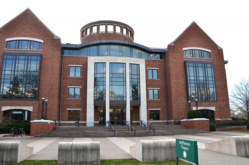Ames Library at Illinois Wesleyan University.