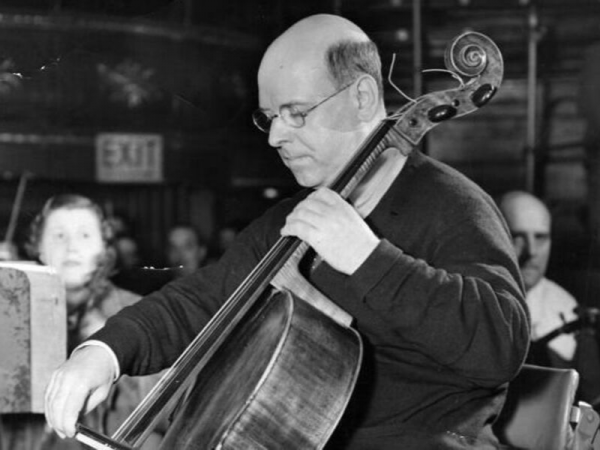 Picture of Pablo Casals playing the cello.