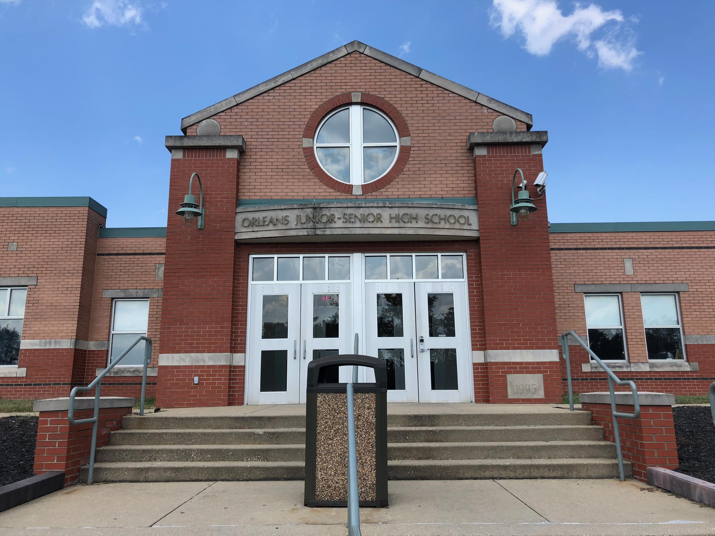 Orleans Jr/Sr High School holds grades 7th-12th and in the 2016-17 year had 346 students.