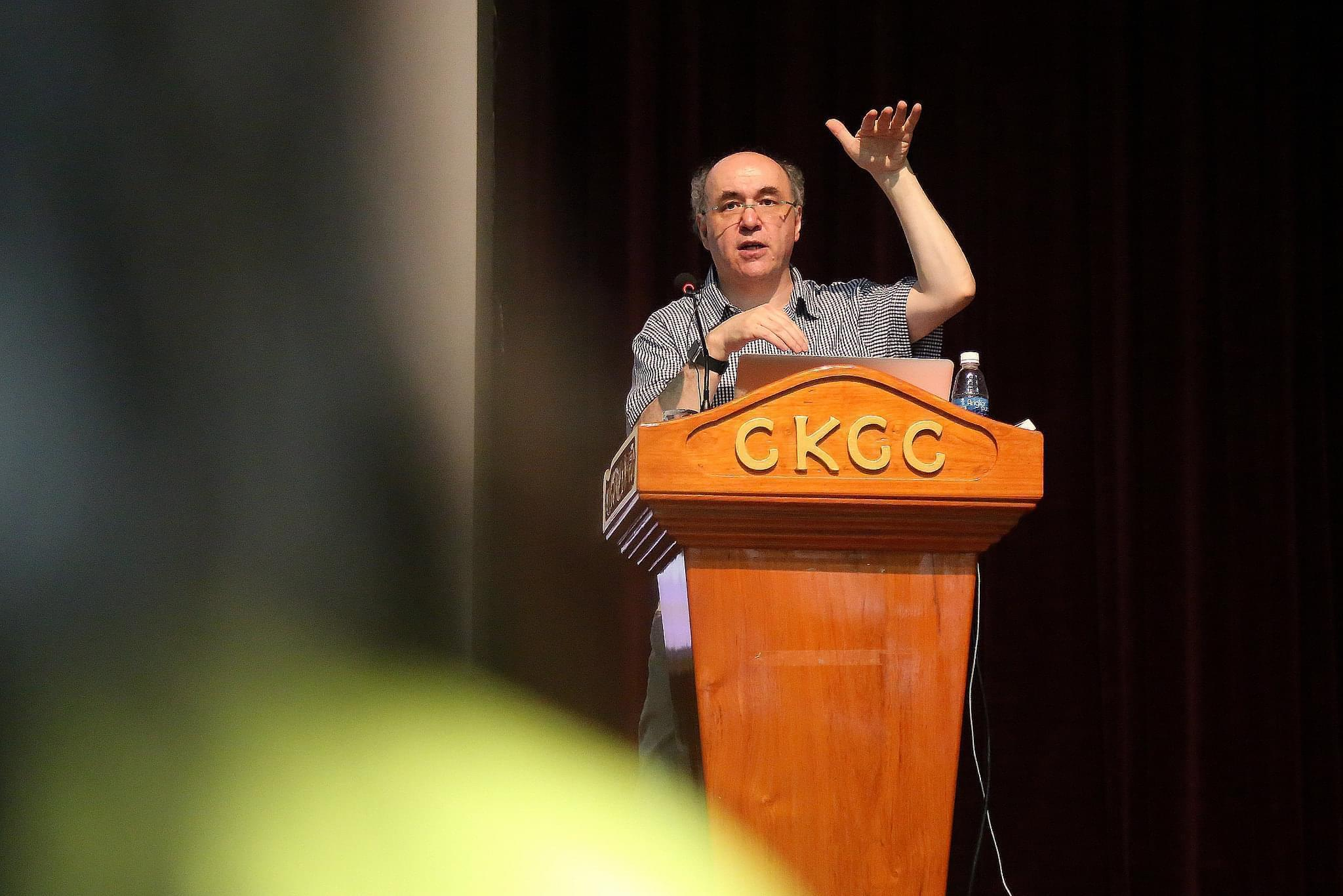 Stephen Wolfram delivering a lecture in 2015.