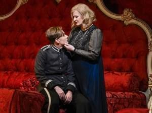 Photo of the Metropolitan Opera performing Der Rosenkavalier.