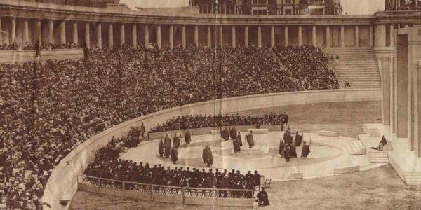 Lewisohn Stadium in 1915.